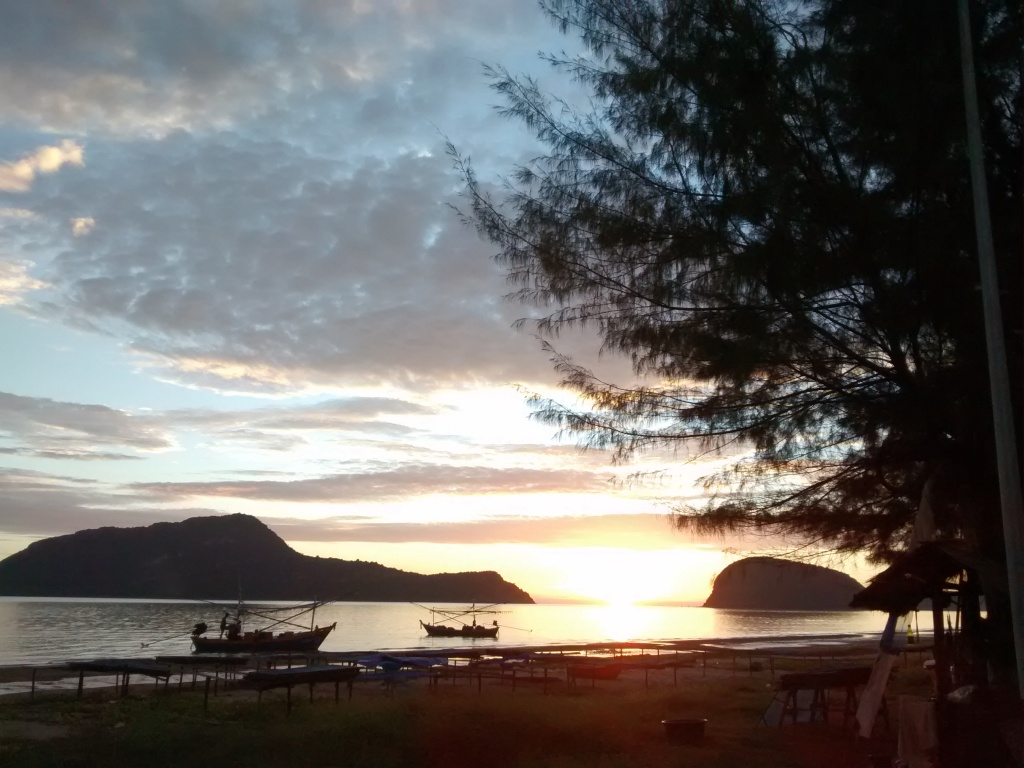 Finally the sunrise.
